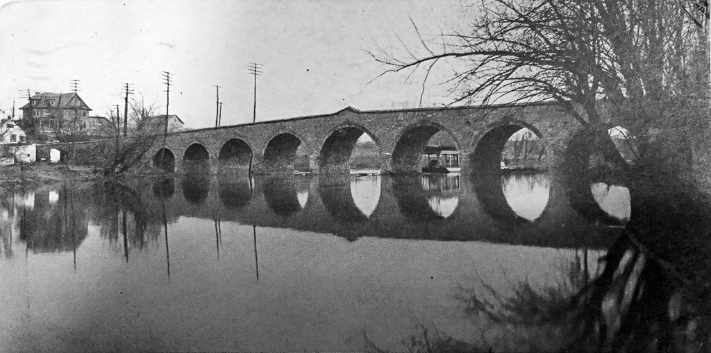Built 1798. From a 1907 postcard. The bridge was destroyed in 1933.